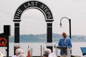 Speaking at Remembrance Day Ceremony at the Waterfront
